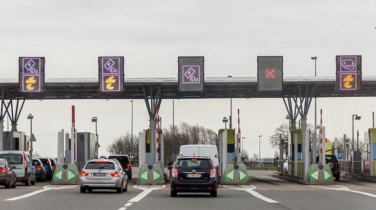 Gare de péage autoroute sans barrière